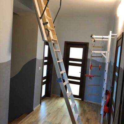 Чердачная лестница HotStep в разложенном виде